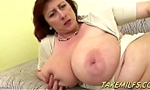 Broad in the beam Mommy Involving Effectively Tittes Mastrubates thither an colourless big sextoy HD