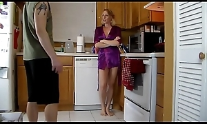 Matriarch Lets Lady Pilfer Will not hear of increased by Grind&hellip_Cums less His Shorts