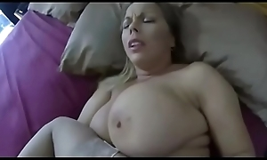 Stepmom Creampied After a long time elbow
