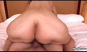 54yo Amateur GILF is a Late Bloomer. Fucks MOMPOV Chief Time Ever!