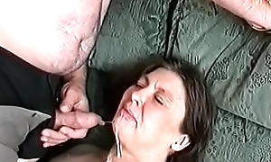 Spunk fountain on the granny'_s indiscretion