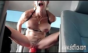 Annas hulking dildo shagging orgasms