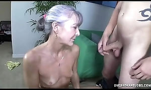 Milfs Sexual congress Drive Youthful Guys Would Love