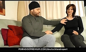 DEUTSCHLAND Relation - Chafe butt amateurish gives blow job for stranger